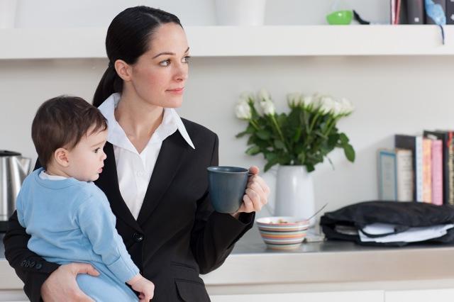 Можно ли уволить мать-одиночку с ребенком до 14 лет: без ее согласия, при сокращении штата?