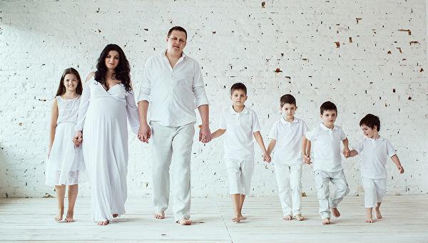 Удостоверение многодетной семьи: где и как получить, что оно дает?
