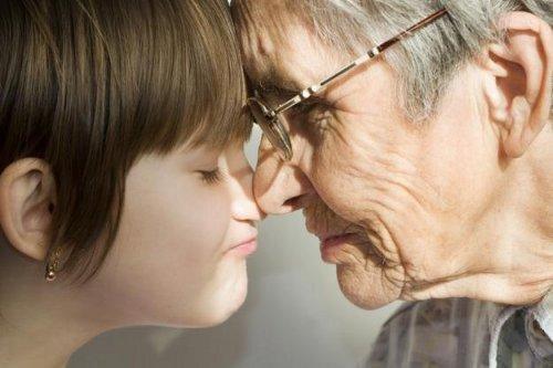 Можно ли подать на алименты на родителей мужа (бабушку и дедушку), если бывший (отец) не платит?