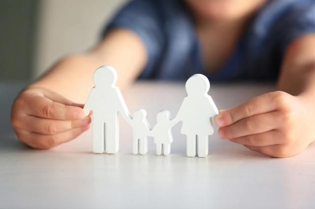 Какие документы нужны для удочерения или усыновления ребенка жены?