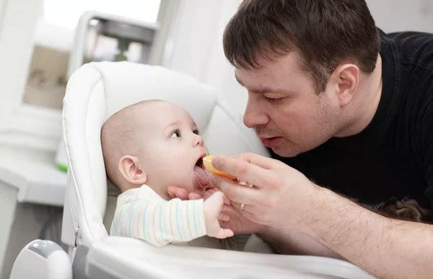 Может ли муж получить пособие по беременности и родам, как оформить декретные выплаты отцу?