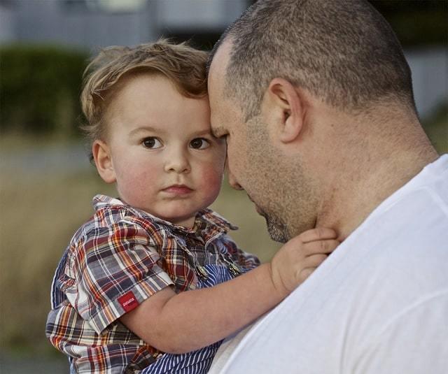 Может ли отец получить материнский капитал, каковы условия оформления сертификата?