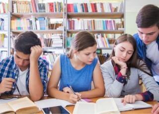 Права ребенка в школе, его обязанности и защита по законодательству