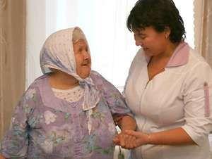 Опекунство над пожилым человеком после 80 лет: как оформить документы на патронаж?