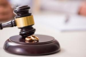 Можно ли развестись без согласия мужа: как подать заявление на развод в ЗАГС, если он не согласен?