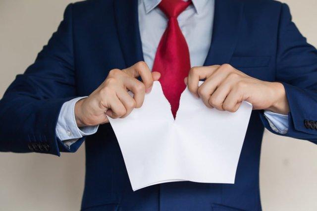Можно ли отозвать дарственную на квартиру при жизни дарителя: образец заявления, основания отмены