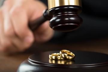 Сколько длится развод через ЗАГС и суд: длительность бракоразводного процесса