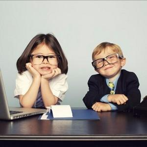 Несовершеннолетние дети: до какого возраста считаются таковыми, когда возможна эмансипация?