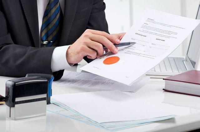 Нужно ли нотариально заверять договор дарения квартиры или доли в ней?
