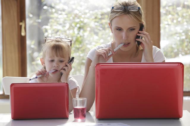 Права женщины на работе с ребенком до 14 лет - какие льготы положены работающей матери?