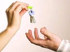 Договор дарения автомобиля родственнику или чужому лицу: как оформить дарственную?