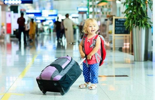 Согласие на выезд ребенка за границу без сопровождения родителей: правила оформления, образец