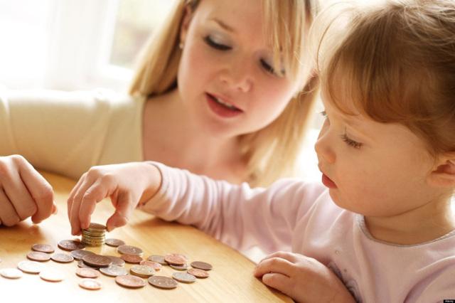 Почему задерживают детские пособии, куда обращаться при задержке выплат?