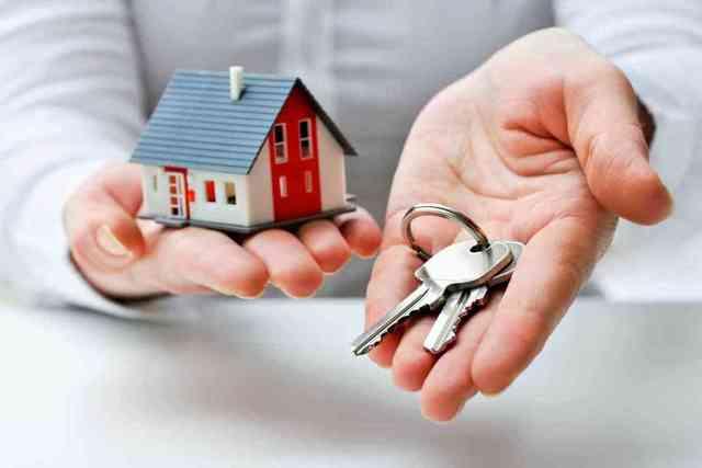 Если квартира не приватизирована, кому она достанется после смерти хозяина?