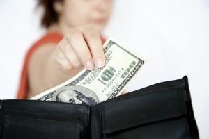 Как взыскать алименты с бывшего мужа, получающего зарплату неофициально: как узнать и доказать доход