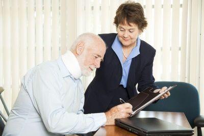 Можно ли оспорить дарственную на квартиру и прочую недвижимость при жизни и после смерти дарителя?
