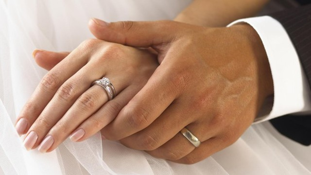 Бывшая жена вышла замуж: должен ли я платить алименты, нужно ли это, если супруга в повторном браке?
