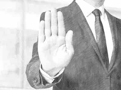 Право отказа от исполнения договора дарения и отмена дарственной на имущество