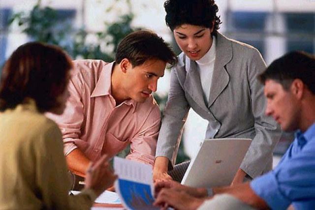 Сделки с недвижимостью с близкими родственниками: что выгоднее, продажа или дарение?