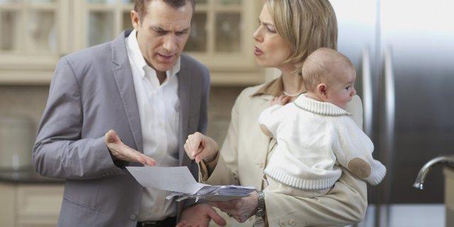 Отказ от отцовства в добровольном порядке: как отказаться от родительских прав?