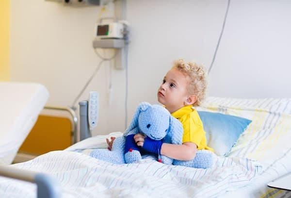 Материнский капитал на лечение ребенка: условия получения и использования