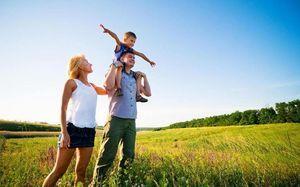 Как молодой семье приобрести жилье: где жить, если нет своей недвижимости и денег?