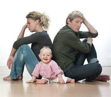 Имеет ли право мать проживать по месту прописки ребенка, если он прописан у отца?