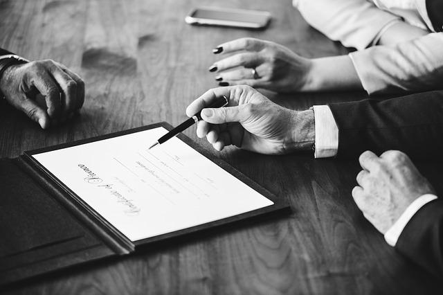 Можно ли не подавать на алименты при разводе, обязательно ли это делать?