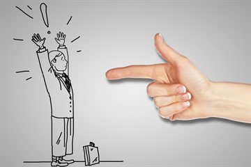 Как вернуть подаренную квартиру обратно дарителю и можно ли отказаться от дарственной?