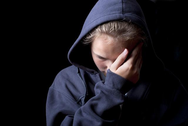 Пособие на ребенка по потере кормильца: кому назначается, как оформить?
