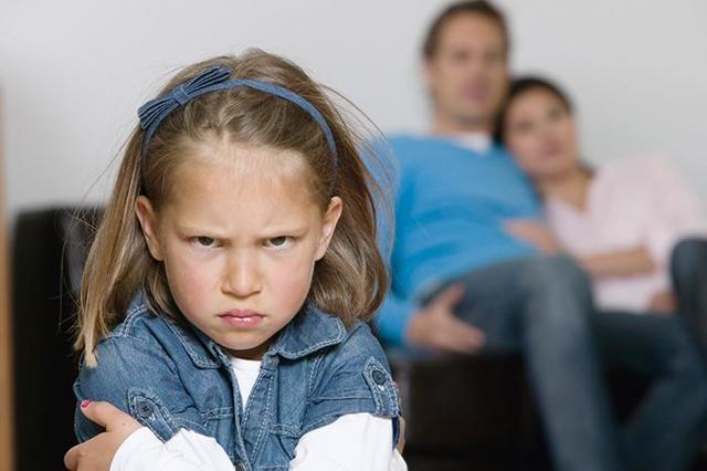 Как отказаться от родителей официально, можно ли это сделать после 18 лет?