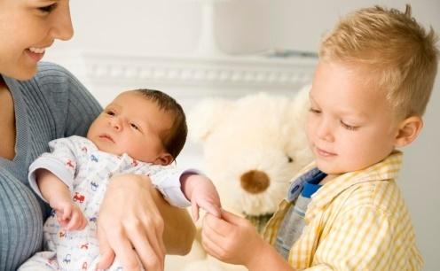 Доплата к материнскому капиталу 250 тысяч рублей: пособие женщинам до 35 лет за второго ребенка