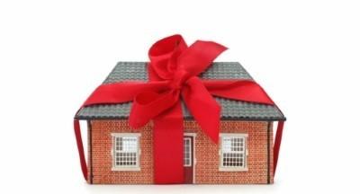 Можно ли передарить квартиру, полученную по дарственной на другого человека или обратно дарителю?