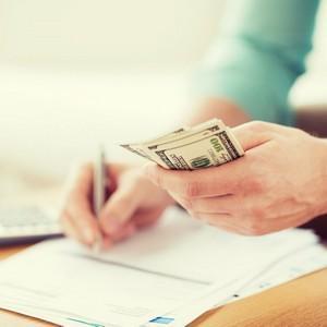 Выплата алиментов: сроки и порядок перечисления средств работодателем на содержание ребенка