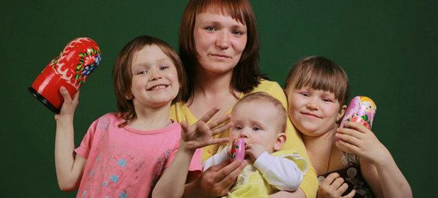 Алименты на 4 детей: сколько процентов составляют и как они делятся, если отпрыски от разных браков?