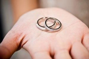 Брачный возраст в РФ: со скольки лет можно вступать в брак в России?