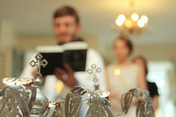 Как развенчаться в церкви после развода: процедура прекращения церковного брака